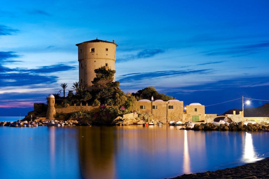 Isola del Giglio: Torre Campese